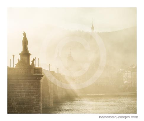 Archiv-Nr. hc2015175 | Alte Brücke im Morgennebel