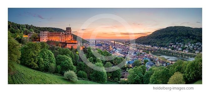 Archiv-Nr. hc2014142 | Heidelberg, Schloss- und Altstadtblick in der Abenddämmerung