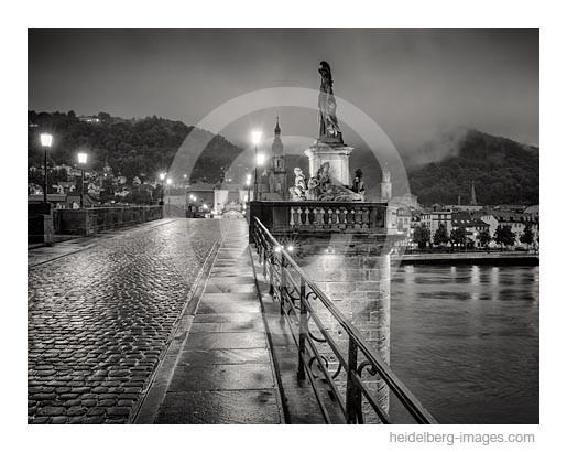Archiv-Nr. h2014148 | Heidelberg, Alte Brücke im Abendlicht nach Regenschauer