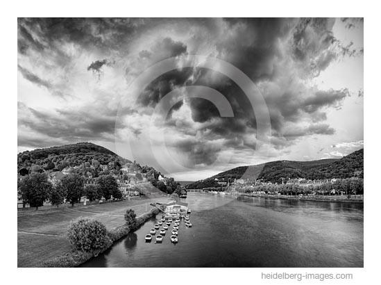 Archiv-Nr. h2015137 | Gewitterwolken über dem Neckartal