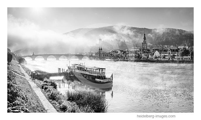 Archiv-Nr. h2016135 | Morgenstimmung am Neckar