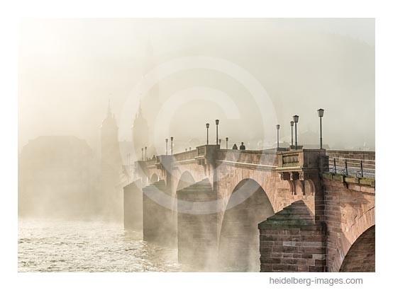 Archiv-Nr. hc2015110 | Heidelberg, Morgennebel an der Alten Brücke