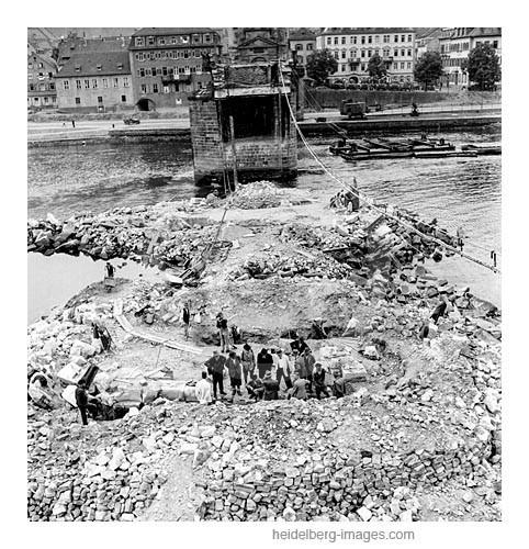 Archiv-Nr. h4527-8 / Wiederaufbau der Alten Brücke.jpg