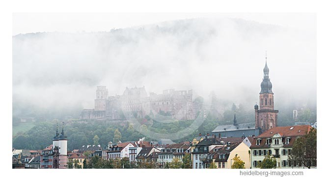 Archiv-Nr. hc2013156 | Morgennebel über der Altstadt