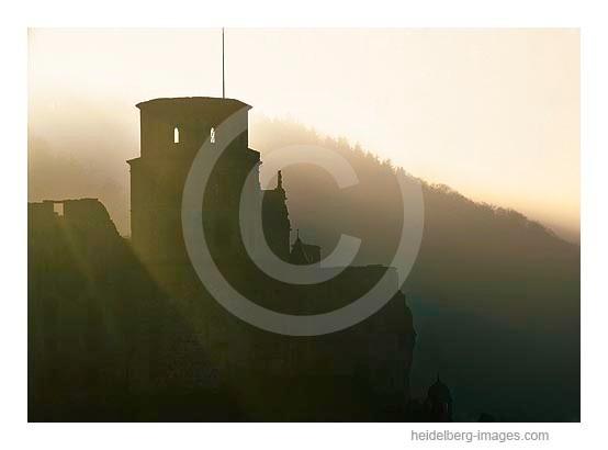Archiv-Nr. hc2005102 / Schlossturm im Morgenlicht