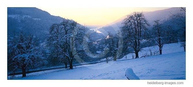 Archiv-Nr. hc2002101 / verschneites Neckartal