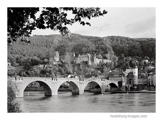 Archiv-Nr. h97153 | Schloss und Alte Brücke