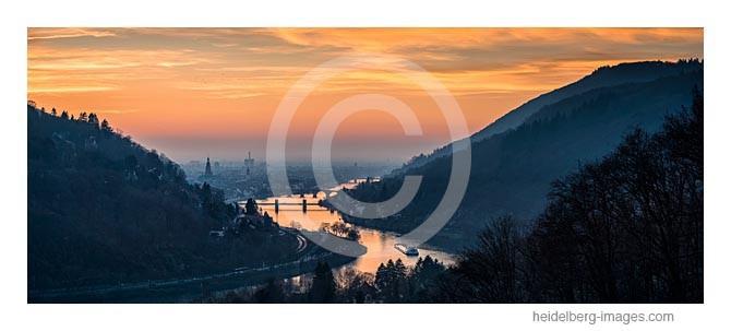 Archiv-Nr. hc2013180 | Neckartal im Sonnenuntergang