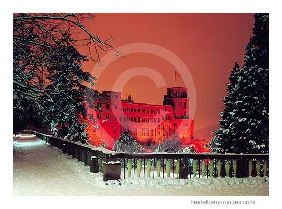 Archiv-Nr. hc91107 / Schloss in rotes Licht getaucht