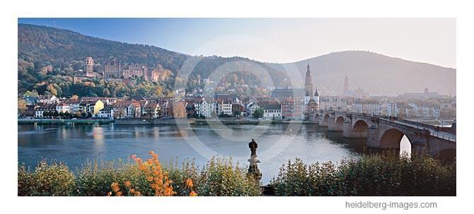 Archiv-Nr. hc2012166 / Heidelberger Altstadt im Herbst