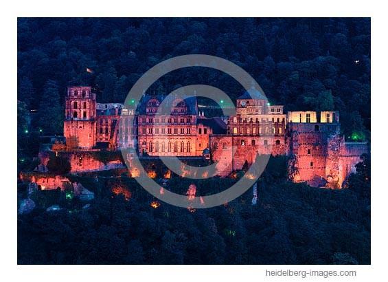 Archiv-Nr. hc98122a / Schlossfassade bei Nacht