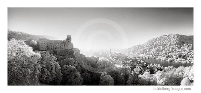 Archiv-Nr. h2003210 | Schlossblick im Sonnenuntergang