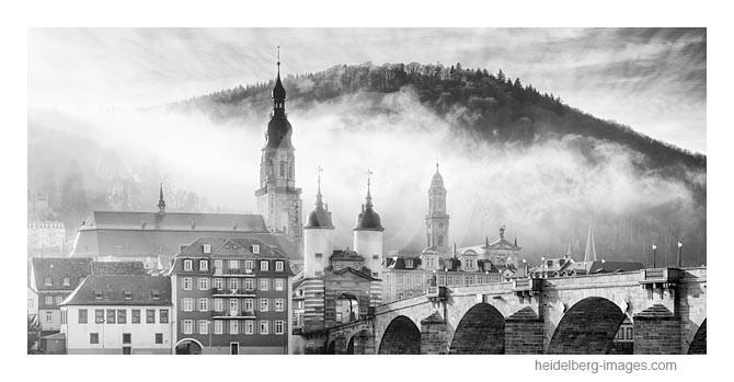 Archiv-Nr. h2014179 | Morgennebel über der Altstadt