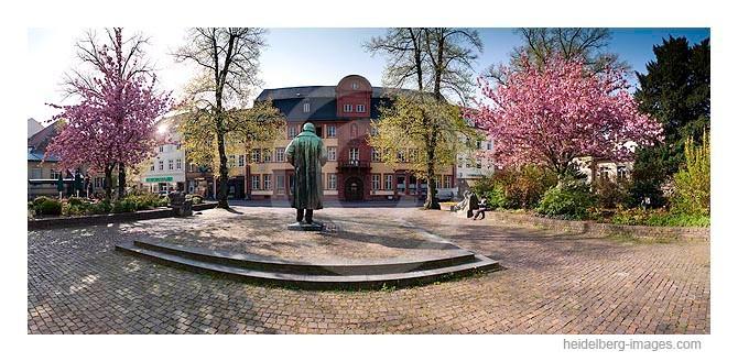 Archiv-Nr. hc2010125 | Bunsendenkmal am Anatomieplatz (Erfinder des Bunsenbrenners Robert Wilhelm Bunsen)