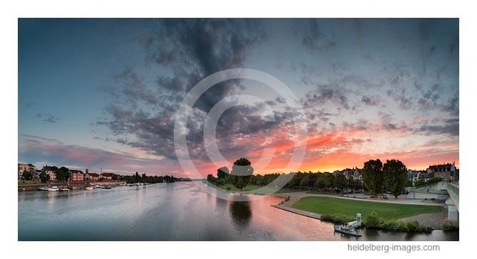 Archiv-Nr. hc2014147 / Neckarufer im Sonnenuntergang