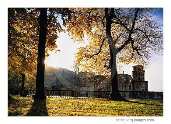 Archiv-Nr. hc2006171 / Schlossterrasse im Herbstlicht