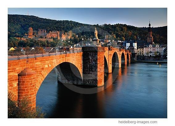Archiv-Nr. hc2007177 | Alte Brücke im Abendlicht