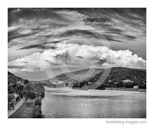 Archiv-Nr. h2015144 | Wolkenformationen über dem Neckartal