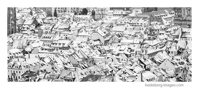 Archiv-Nr.  h2012189 / Altstadtdächer im Winterkleid