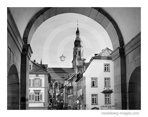 Archiv-Nr. h2007149 | Blick durch das Brückentor