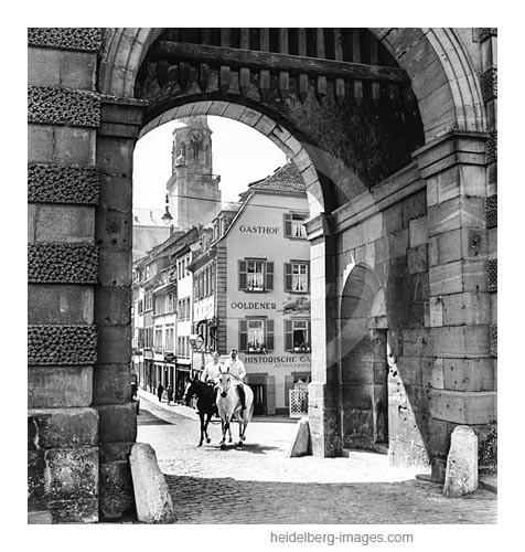 Archiv-Nr. h17-4 / Ross und Reiter an der Alten Brücke am Brückentor