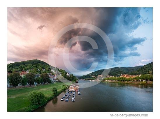 Archiv-Nr. hc2015137 | Gewitterwolken über dem Neckartal und der Altstadt