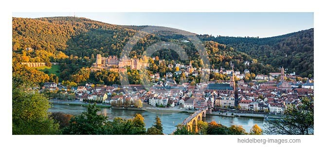 Archiv-Nr. hc2013162 / Blick auf die herbstliche Altstadt von Heidelberg