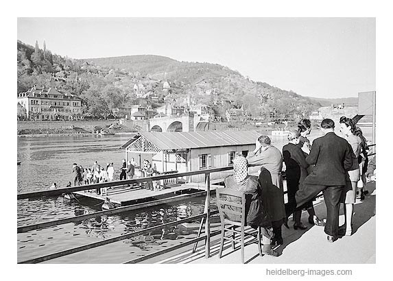 Archiv-Nr. 4562_17H / Bootsverleih an der Alten Brücke