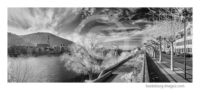 Archiv-Nr. h2012177 | Ungewöhnliche Wolkenformation über Heidelberg