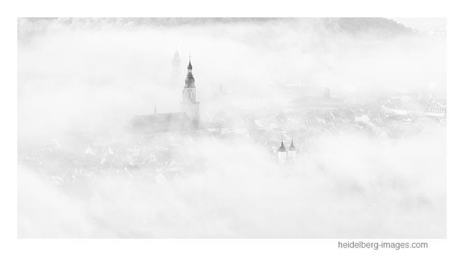 Archiv-Nr. h2014190 | Altstadt von Heidelberg im Morgennebel