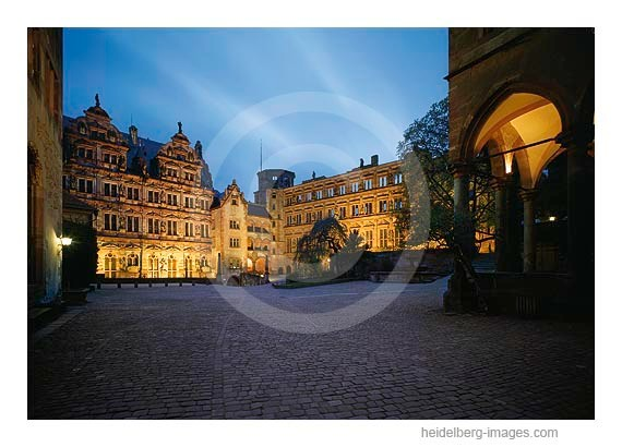 Archiv-Nr.  hc2004126 | Schlossinnenhof bei Nacht