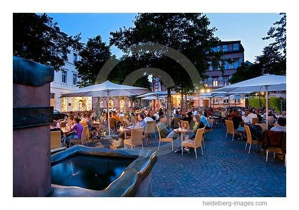 Archiv-Nr. hc2009195 | Neuenheimer Marktplatz in der Abenddämmerung