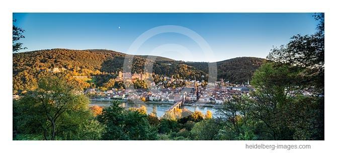 Archiv-Nr. hc2013159 / Herbstliches Heidelberg im Sonnenuntergang