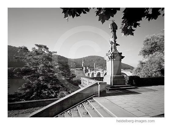 Archiv-Nr. h2005135 | Nepomuk-Statue an der Alten Brücke