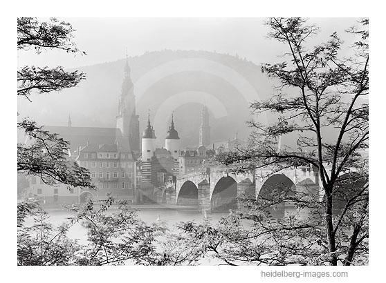 Archiv-Nr. h2007180 | Alte Brücke und Heiliggeistkirche