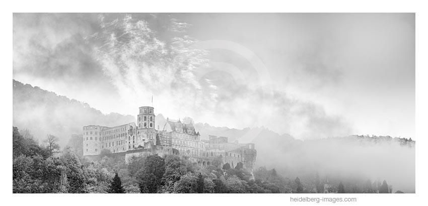 Archiv-Nr. h2014165 | Nebelschwaden über dem Schloss
