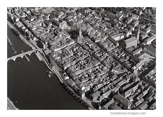 Archiv-Nr. L10_323 /  Luftbild der Altstadt von Heidelberg 1961