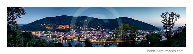 Archiv-Nr. hc2007169_370_373 /  Panorama-Ansicht von Heidelberg in der Dämmerung