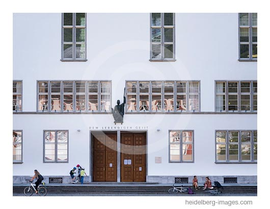 Archiv-Nr. hc2020136 | Uniplatz