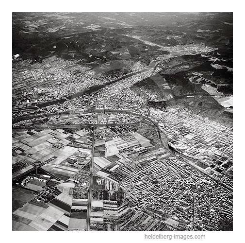 Archiv-Nr.  L10_2108 / Luftaufnahme Heidelberg Totale und Odenwald 1968