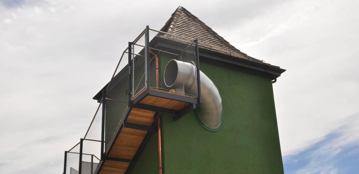 Geistlich-Areal in Schlieren - Rutschenturm-Aufgang (im Auftrag von HINNEN Spielplatzgeräte AG)