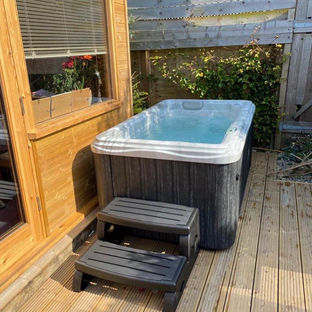 Der perfekte Whirlpool für enge Platz Verhältnisse!