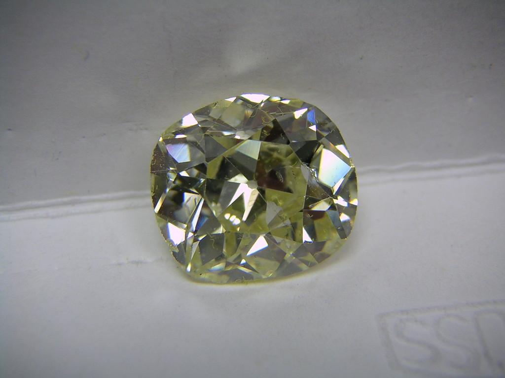 Diamant im Altschliff, in Kissenform, um 1900