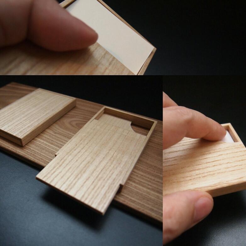 桐のカードケース