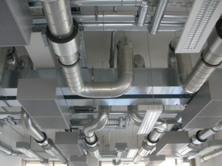 Luftverteilung Decke Labore mit Kühlbalken