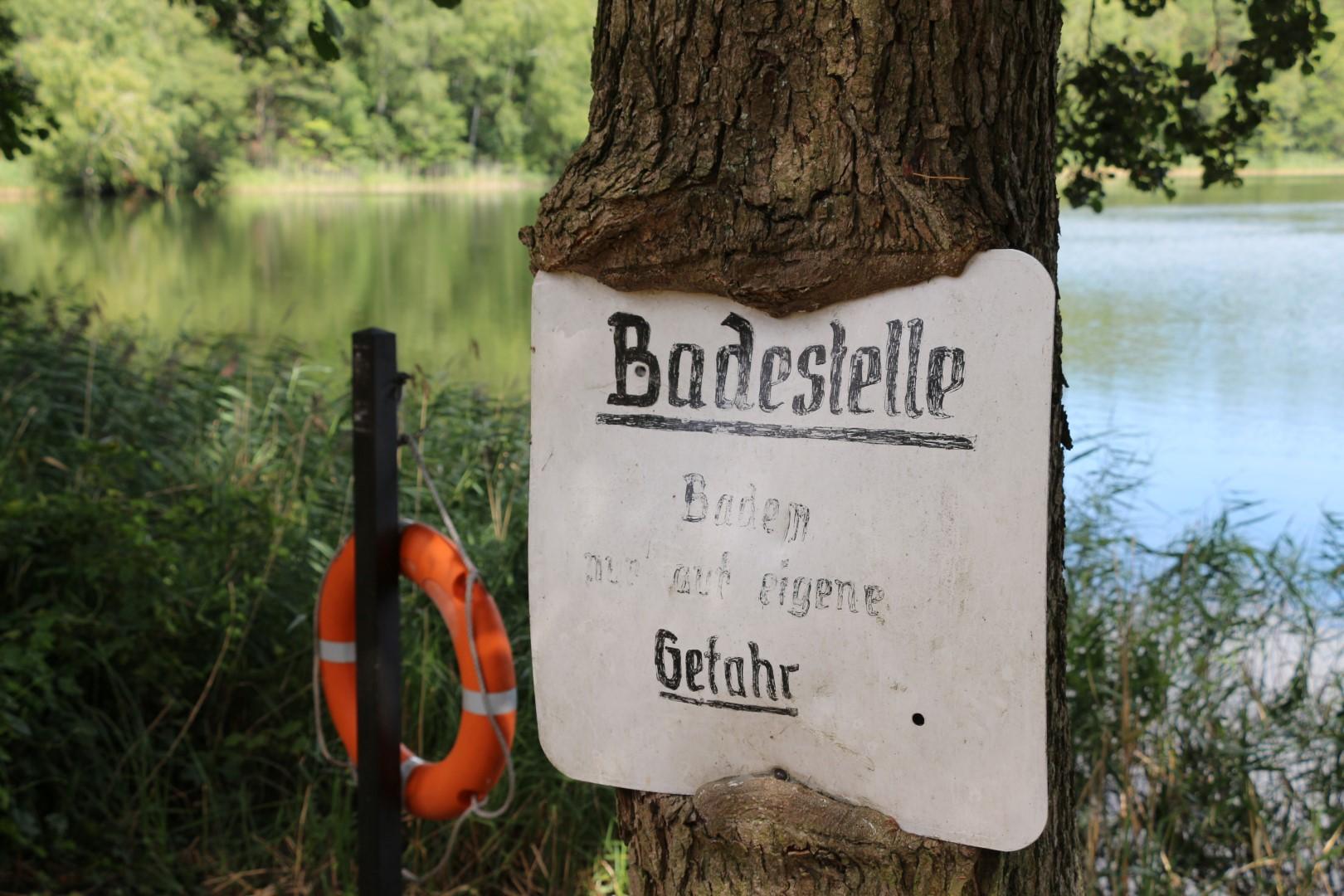 Ferienhaus Baalsee Badestelle Schild