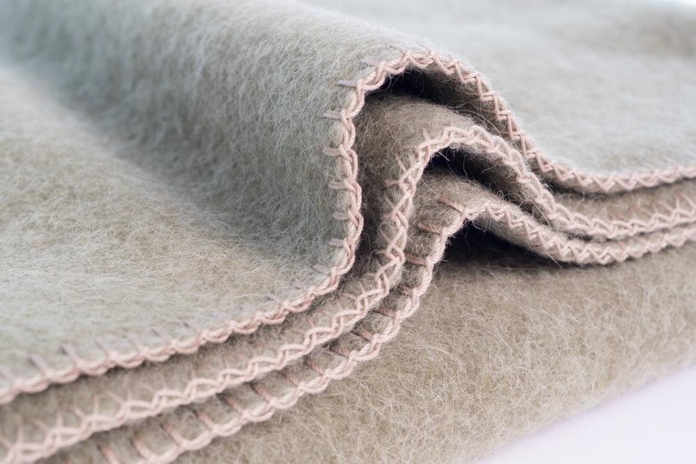 individuelle Zusammenstellung von Kissenkomi mit Wollplaid - exklusive Textilien von Stoffwerk / Bodensee / Oberschwaben
