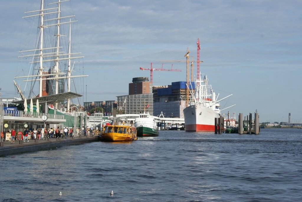 Sonnenschein am Hamburger Hafen.
