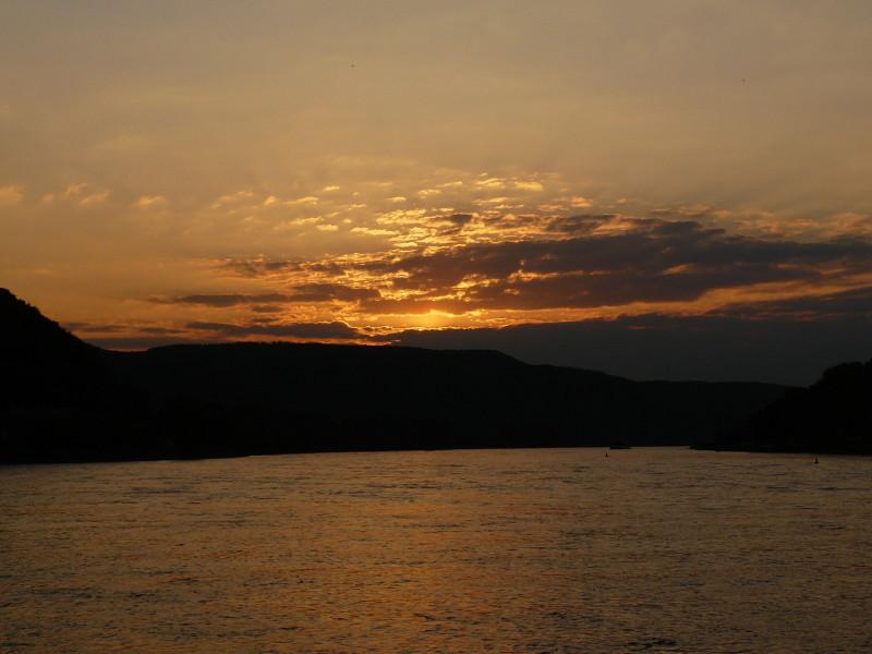 Abendstimmung am Rhein 1