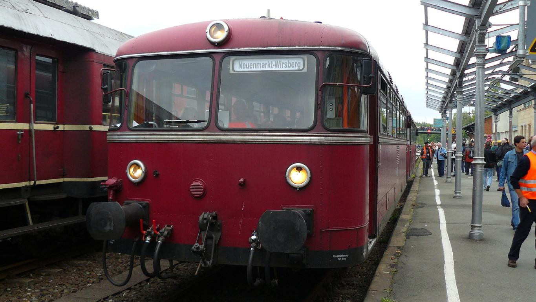 Der gute alte Schienenbus war in Neuenmarkt-Wirsberg anzutreffen.